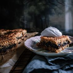 """Roz McIntosh's Instagram profile post: """"Today I'm making this Oaty Date Slice from my blog. It is always a winner with the kids and works well in lunch boxes. Follow the link in…"""""""