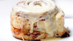 Easy No-Yeast Cinnamon Rolls Clone Of A Cinnabon Recipe, No Yeast Cinnamon Rolls, How To Cook Pancakes, Boston Cream Pie, Thing 1, Izu, Cinnamon Cream Cheeses, Food And Drink