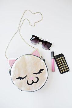 DIY: leather cat purse