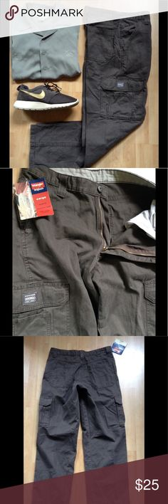 WRANGLER HERO ORIGINALS Cargo Pants Brown 32 x 32 Cool never-worn cargo pants w/ tag still attached. Tons of pockets. Looks to be vintage deadstock to me. In perfect condition. Save an additional 10% automatcally by bundling w/another 2 or more items from my closet. Plus, I ship fast! Wrangler Pants Cargo