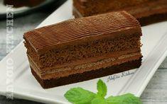 Prajitura Cleopatra cu ciocolata,o prajitura cu doua blaturi insiropate si crema fina de ciocolata fara oua
