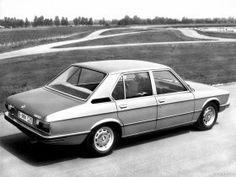 Ver foto 3 de BMW Serie 5 520 E12 1972 Bmw 525, Bmw Serie 5, 40th Anniversary, Bmw Cars, Vehicles, Peta, Galleries, Designers, Collage