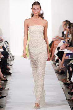 Oscar de la Renta Spring 2014 Ready-to-Wear Fashion Show - Karlie Kloss