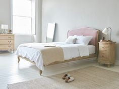 Here are some doable living room decor and interior design tips that will make your home cozy and comfortable for family and friends. Pink Bedroom Design, Pink Bedroom Decor, Pink Bedroom For Girls, Gold Bedroom, Dream Bedroom, Girls Twin Bed, Two Twin Beds, Guest Bedrooms, My New Room
