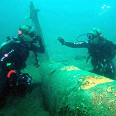 SDG diving on a WW2 Japanese Mitsubishi Zero fighter plane with @Papua New Guinea Tourism North America Office off Papua New Guinea!