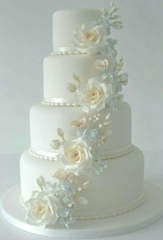 Best white wedding cake design for traditional wedding 72 Amazing Wedding Cakes, White Wedding Cakes, Fall Wedding Cakes, Wedding Cake Decorations, Elegant Wedding Cakes, Wedding Cake Designs, Wedding Cake Boxes, Wedding Sweets, Wedding Cookies