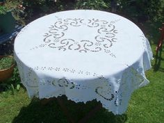 Lovely Vintage Cutwork Tablecloth £22.99