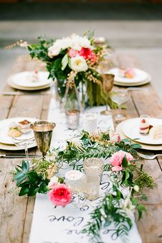 Wedding-Reception-Ideas-Wow-Your-Guests-Timeless-Romance-Centrepiece