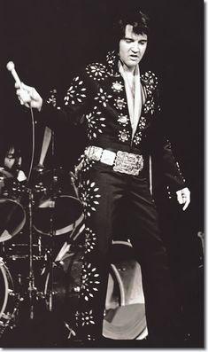 Elvis Presley : Boston Garden : November 10, 1971 (8.30 pm) : Boston, MA.