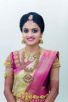 You can find the best wedding photographers, top wedding makeup artists, finest wedding decorators, top wedding planners, bridal stylists & affordable jewellery rentals Saree Wedding, Wedding Bride, Funny Wedding Poses, Wedding Makeover, Pre Wedding Photoshoot, Wedding Shoot, Antique Jewellery Designs, South Indian Jewellery, India Jewelry