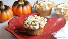 How to make pumpkin muffins that taste just like the ones from Dunkin' Donuts. I'm definitely going to try this!