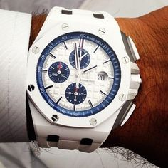 New Audemars Piguet Royal Oak Offshore in white ceramic. What are your thoughts? #audemars #piguet Photo by @_howardparr