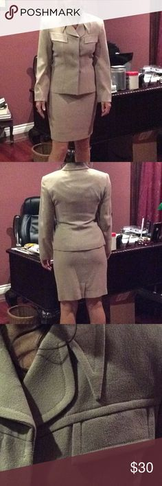 Beige skirt suit . Beautiful beige suit by sunny names. sunny names Other