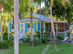 Adorable Florida cracker fishing cabin in Everglades City | 10,000 Islands | Collier County | Florida