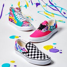 Express yourself with the Customs Exclusive Brushstrokes pattern. Create your own at vans.com/customs Mickey Mouse Vans, Tennis Vans, Vans Shoes Fashion, Shoes Wallpaper, Vanz, Kicks Shoes, Cool Vans, Vans Girls, School Shoes