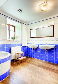 Chalupa v horských lukách Corner Bathtub, Bathroom, House, Stone, Houses, Washroom, Rock, Home, Full Bath