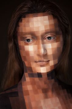 By: Alexander Khokhlov Khokhlov counts this image as one of his favorites. It features his wife, Veronica, as the Mona Lisa. In addition to being his muse, Veronica is also in charge of retouching all the images in the series. Here, Mona Lisa Pixelated. Alexander Khokhlov, Art Expo, Pop Art, Mona Lisa, Art Visage, Extreme Makeup, Photoshop, Make Up Art, Model Face