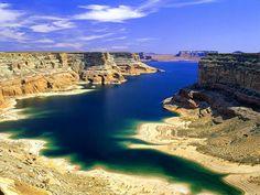 Lake Powell, Glen Canyon, Utah, USA  Love this lake.  Had lots of fun there.