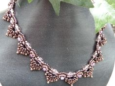 * Pattern by Smadar´s Treasure: http://www.artfire.com/ext/shop/product_view/SmadarsTreasure/4568827/Twin_Beads_Spades_Necklace_Bracelet_Set_-_Beading_Tutorial_PDF_file/Patterns/Jewelry/Necklaces
