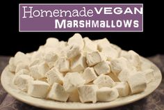 Easy Homemade Vegan Marshmallows -Vegan marshmallows are easy to made you just need little time and this recipe. Most ofmarshmallows contain gelatin which have animal origin. So here we have find replacement for gelatine and you still will get nice fluffy Vegan Candies, Vegan Treats, Vegan Foods, Vegan Dishes, Vegan Recipes, Recipes With Marshmallows, Homemade Marshmallows, Marshmallow Recipes, Desserts