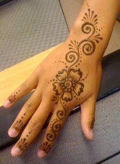 Hand henna | Henna design I did on an intern during my appea… | Flickr