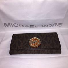 Michael Kors MK Fulton Carryall Wallet- Monedero