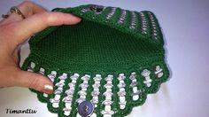 Metsänvihreää klipsuista Pop Tab Crafts, Bead Crafts, Pop Tab Purse, Pop Can Tabs, Soda Tabs, Pop Cans, Chainmaille, Bag Making, Crochet Top