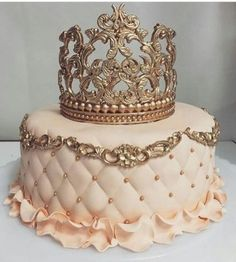 New cake ideas sweet 16 beautiful ideas Sweet 16 Birthday Cake, Beautiful Birthday Cakes, 21st Birthday Cakes, Beautiful Cakes, Birthday Cake Crown, Birthday Cakes For Teens, Happy Birthday, Bolo Tumblr, 18th Cake