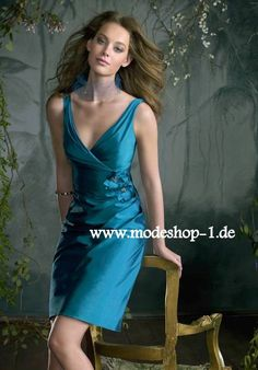 ee70a52cf2cb Blaues Etui Abendkleid 2019 mit V Dekollette Kleid Standesamt, Kleider  Online Kaufen, Elegante Kleider
