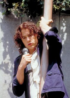 One of my favorite teen movies with Heath Ledger Teen Movies, Cult Movies, Iconic Movies, Great Movies, Movie Tv, 10 Things I Hate About You, Pier Paolo Pasolini, Romantic Movies, Romantic Movie Scenes