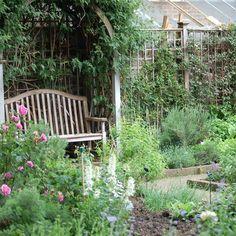 18 Secret And Serene Gardens In London