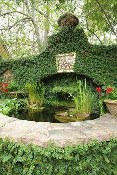 Beautiful Water Garden by Stephen Fuller Designs Water Features In The Garden, Garden Features, Beau Site, Georgian Architecture, Water Pond, Garden Fountains, Garden Ponds, Dream Garden, Land Scape