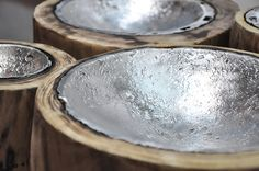 """Portaoggetti da tavolo Moody """"Moody"""" - Tray by Livyng Ecodesign Shiny lunar craters hosting everyday objects like keys or change. aluminum melted on wood"""