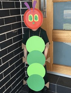 The Very Hungry Caterpillar Costume - Last Minute Halloween Costume Ideas Easy Book Week Costumes, World Book Day Costumes, Book Character Costumes, Last Minute Halloween Costumes, Simple Costumes, Pig Costumes, Teacher Costumes, Costume Ideas, Paper Bag Princess Costume