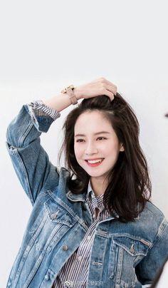 Running Man Korean, Ji Hyo Running Man, Korean Actresses, Korean Actors, Ji Hyo Song, Running Man Members, Yoona Snsd, Classy Girl, Beautiful Songs