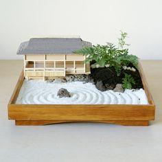 Karesansui is the Japanese name of zen garden, meaning dry mountain and water garden. Miniature zen gardens are used as home decor in living room or desktop. Indoor Zen Garden, Mini Zen Garden, Backyard Garden Landscape, Small Backyard Gardens, Small Gardens, Zen Gardens, Tropical Garden, Garden Landscaping, Jardim Zen Interior