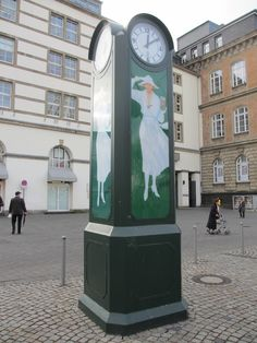A Persil branded clock in the hart of Düsseldorf. Just like Riga has the Laima clock