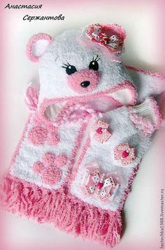 """Одежда для девочек, ручной работы. Ярмарка Мастеров - ручная работа Шапка,шарф и варежки """"Мишка Карамелька"""". Handmade."""