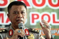 """Kapolda Jabar Anton Charliyan Akui Jadi Ketua Dewan Pembina GMBI  Konfrontasi -Kapolda Jawa Barat Irjen Anton Charliyan membenarkan bahwa ia merupakan Ketua Dewan Pembina Gerakan Masyarakat Bawah Indonesia (GMBI). Menurutnya posisi itu ia jabat agar ormas tersebut beradab.  """"Saya memang banyak membina. Tetapi saya membina agar mereka ini beradab. Bukan hanya satu tapi banyak"""" kata Anton menjawab pertanyaan wartawan apakah dirinya merupakan dewan pembina GMBI atau bukan Jumat (13/1/2017).  Di…"""