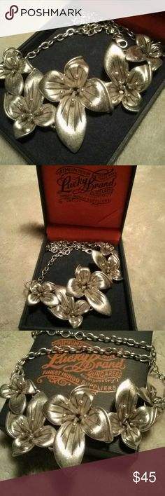 Sale today! vtg Lucky Brand 3-D flower necklace Statement piece you will treasure, and get tons of compliments wearing! Adjustable. Lowest price. Wonderful storage box included. Vintage Jewelry Necklaces
