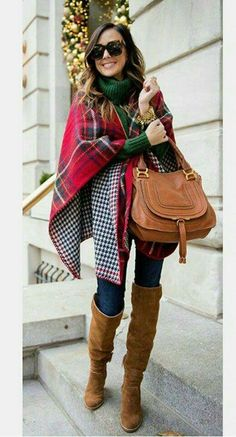 Again,  so in love with this scarf!  Multiple pins I'm sure! And I need a hunter green to wear it with. ..