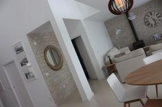 Living Bathroom Lighting, Villa, Bathtub, Mirror, Furniture, Home Decor, Bathroom Light Fittings, Standing Bath, Bathroom Vanity Lighting