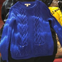 Forever 21 blue sweater Forever 21 blue sweater. Worn twice Sweaters