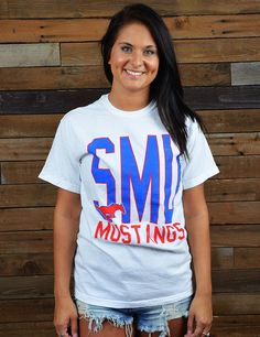 Show your Southern Methodist University spirit in this throwback SMU Comfort Colors t-shirt. Perfect for game day or hanging around campus. Go Mustangs!