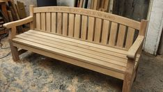 A most finished making this Oak memorial bench#woodwork #memorial-bench de chrisnangle