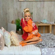 Barbie Dolls Diy, Barbie Fashionista Dolls, Barbie Model, Barbie Doll House, Barbie Life, Barbie Fashion Sketches, Sewing Barbie Clothes, Barbie Doll Accessories, Barbie Gowns
