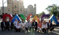 Colocan letras distintivas de la ciudad frente al templo de Santo Domingo de Guzmán