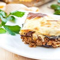 Quick & Easy Moussaka  (potatoes) My Recipes, Favorite Recipes, Cheesesteak, Lasagna, Food And Drink, Potatoes, Beef, Ethnic Recipes, Easy