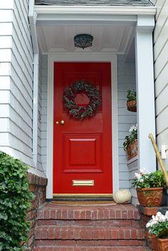 Love a red front door!