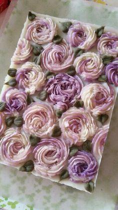 Rosebud Soap and Rose Petal Sugar Scrub DiY Diy Savon, Savon Soap, Soap Handmade, Soap Carving, Rose Soap, Bath Soap, Soap Packaging, Cold Process Soap, Soap Recipes
